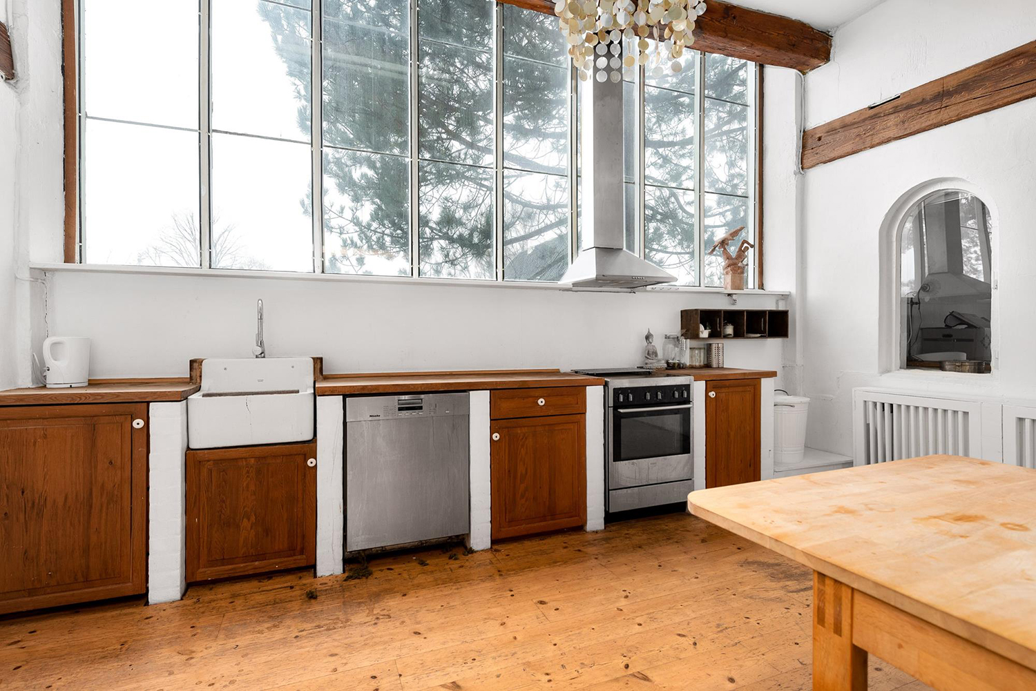 Kitchen appliances are new though cabinetry is again, upcycled and recycled from other projects.