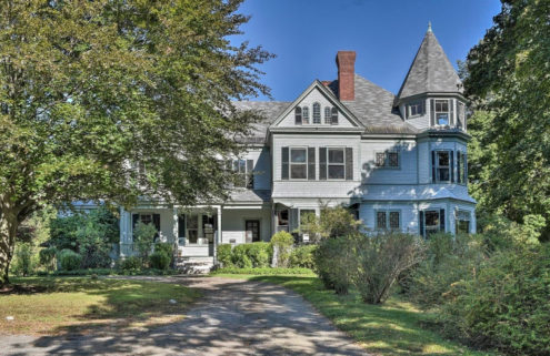 Time-capsule New Hampshire Victorian asks for $850k